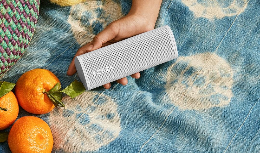 SONOS Roam. Lo smart speaker portatile per ascoltare a casa e fuori